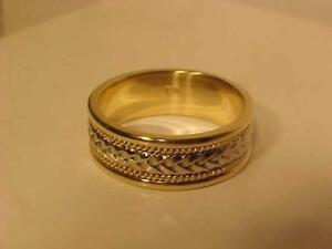 #3445-14K WOVEN YELLOW & WHITE WEDDING BAND Size 10 1/4-a hefty 9.14 grams of 14k GOLD FREE S/H anywhere in CANADA-