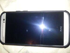 HTC ONE M8 UNLOCKED GOOD CONDITION WITH CHARGER