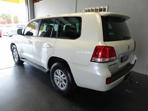2007 Toyota Landcruiser VDJ200R Sahara (4x4) White 8 Speed Automatic Wagon Woodridge Logan Area Preview