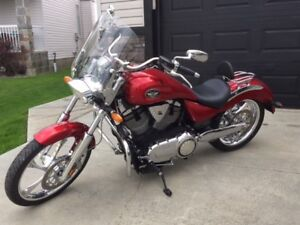 2009 Victory Vegas Premium Low: as new condition!