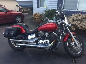 2009 yamaha. Vstar 1100 custom red