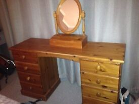 Pine dressing table, with mirror