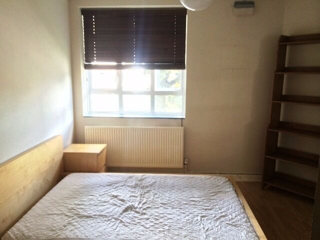 Stunning modern 2 double bed flat in Camden just - £1750pm!