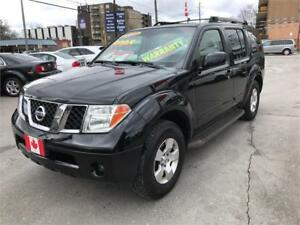 2006 Nissan Pathfinder SE 4X4..7 PASSENGER LOW KMS...ONLY $7500.
