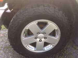 2010 Jeep Wrangler Rims and Tires