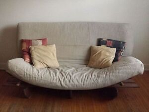 """BEIGE/TAN GENTLY USED FUTON THICK 7"""" MATTRESS FRAME & PILLOWS"""
