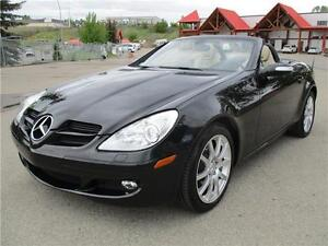 2005 Mercedes-Benz SLK350 3.5L V6 Convertable LOW Km's PRISTINE!