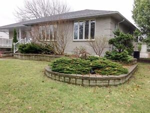 NEW NORTH SARNIA LISTING: 4 BED, 3 BATH BUNGALOW ...