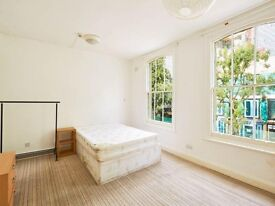 A New Spacious Bright 3 Bedroom Flat Available SE17!