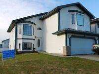 REDUCED!!!! Gorgeous home in Edmonton! Don't miss out!!!