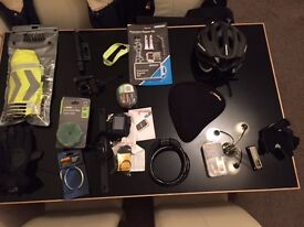 Accessories pack for bicycle / bike