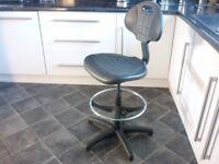 New Trexus Lab High Lift Gas Chair