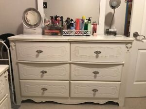 Complete bedroom set, awesome price!