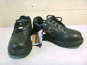 Magnum Foreman  Steel Toe Shoes new in box