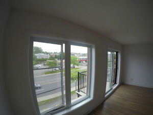 Spacious 2 bedroom, 16641 Blvd Pierrefonds, H9H 4L2