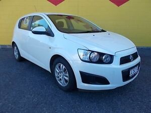 2014 Holden Barina TM MY14 CD White 6 Speed Automatic Hatchback Winnellie Darwin City Preview