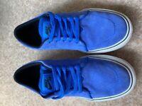 Nike Electric Blue pumps size 5