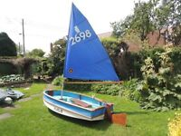 Folding Sailing Dinghy. Puffin Sailing Dinghy/Rowing Dinghy