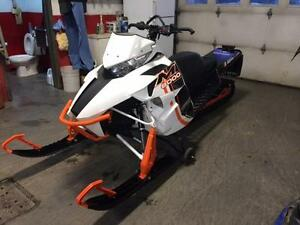 ARCTIC-CAT M8000 2015 162 LIMITED ORANGE