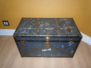 Old trunk - Moving Sunday
