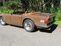 STUNNING CLASSIC 1974 TRIUMPH TR-6 CONVERTIBLE