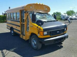 2004 FORD ECONOLINE E350 SUPER DUTY CUTAWAY VAN POUR LES PIECES