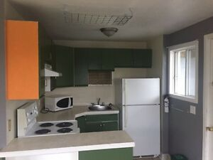 Move in Ready- Available Dec.15- Dartmouth 2 bedroom flat