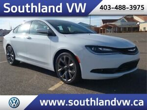 2016 Chrysler 200S  **LEATHER-NAV-SUNROOF**