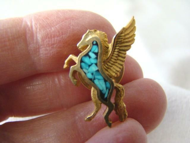 Vintage Mythical PEGASUS Flying Horse Inlaid Turquoise GOLD Pinback Button