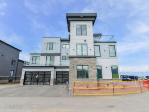 WATERFRONT MODERN HOUSE FOR LEASE-STONEY CREEK