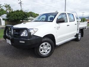 2011 Toyota Hilux KUN26R MY11 Upgrade SR (4x4) White 5 Speed Manual Dual Cab Pick-up Bungalow Cairns City Preview