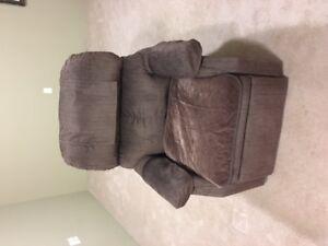 Recliner/Uplift chair