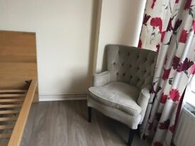 A large one double bedroom to rent close to central London for short term