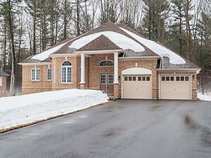 House for sale in a magnificent neighborhoods at Oro-Medonte