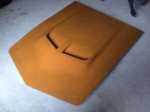 1969 Corvette 427 Hood Good condition - corners not damaged