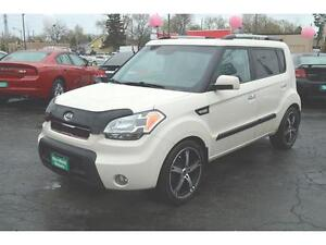2010 KIA Soul 4U - Sunroof with ONE YEAR WARRANTY