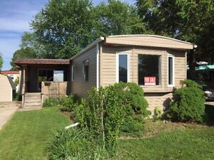 NEWLY RENOVATED MOBILE HOME -HURON HAVEN- GODERICH