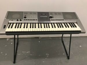 YAMAHA YPT-400 Electronic Keyboard