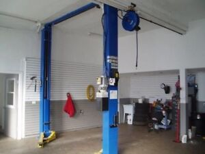 Garage lease buy or rent commercial office space in st repair garage for rent solutioingenieria Gallery