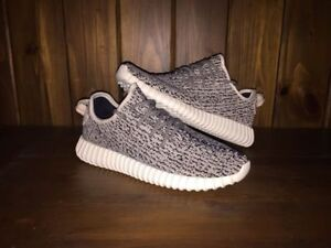 Yeezy boost 350 v1 Turtle doves  NEED TO SELL QUICKLY Oakville / Halton Region Toronto (GTA) image 1