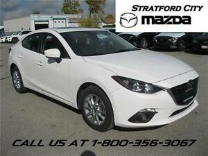 2014 Mazda Mazda3 GS- MOONROOF HEATED SEATS! EXCELLENT CONDITION