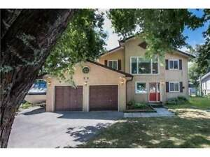 Amazing House with Amazing Lot  in Innisfil