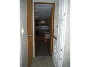2007 Pilgrim 252RKS Rear kitchen 5th Wheel Trailer with slideout Stratford Kitchener Area image 15