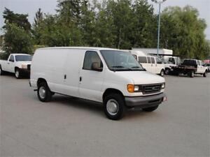 2004 FORD E-250 3/4 TON CARGO **LOW LOW KM**
