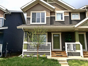 House for Rent in Orchards by Summerside! Quick Possession.