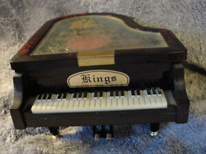 vintage kings grand piano jewelry box Peterborough Peterborough Area image 1