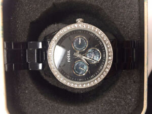 WOMEN'S FOSSIL WATCH IN GOOD CONDITION