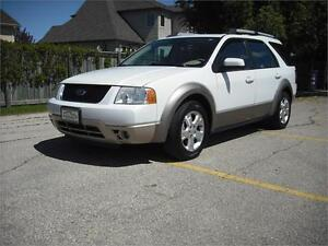 2007 Ford Freestyle SEL, Low Km's, 3rd row seat