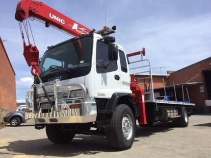 Truck munted Unic UR-V504-1 crane