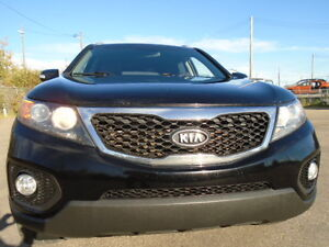 2011 Kia Sorento V6 SPORT-HEATED SEAT--AMAZING SHAPE IN AND OUT